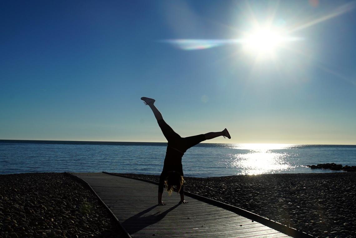 cartwheel-by-the-sea